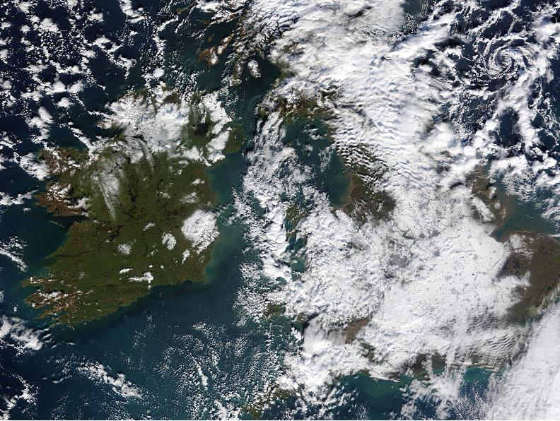 Satellite image of the snow field across England and Wales under largely clear skies on 7th February 2009. By contrast the Republic of Ireland lives up to its reputation as the 'Emerald Isle'. Click here to enlarge image.